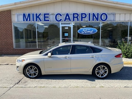 Featured used 2019 Ford Fusion Hybrid Titanium Sedan for sale in Columbus, KS