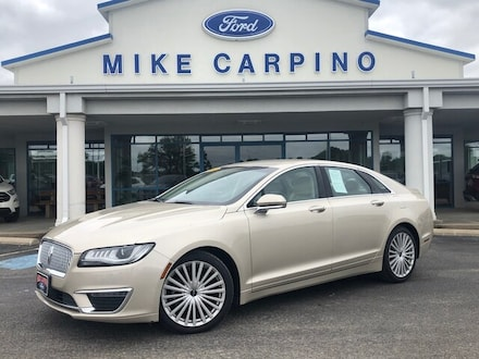 Featured used 2017 Lincoln MKZ Reserve Sedan for sale in Columbus, KS