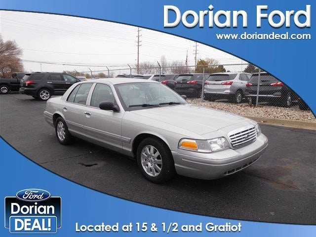 Used 2008 Ford Crown Victoria For Sale in Clinton Township MI | VIN:  2FAFP74V28X107252