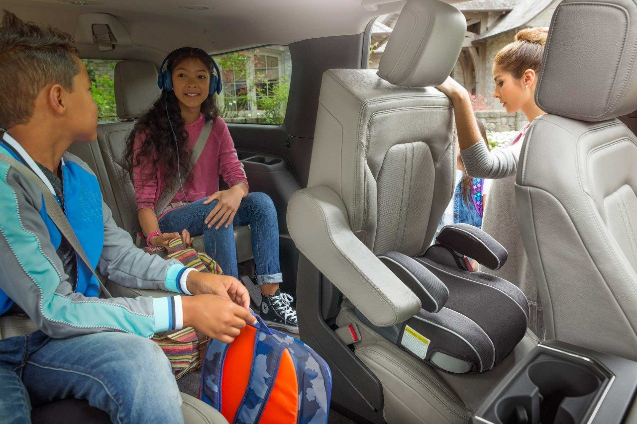 2018 Ford Expedition tip-and-slide second-row seating