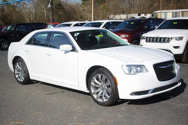 New 2019 Chrysler 300 TOURING L Sedan Rock Mount