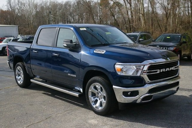 New 2019 Ram 1500 BIG HORN / LONE STAR CREW CAB 4X2 5'7 BOX Crew Cab Rock Mount
