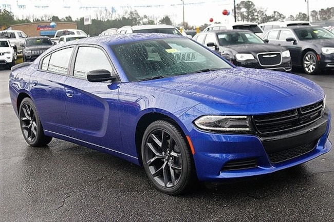 New 2019 Dodge Charger SXT RWD Sedan Rock Mount