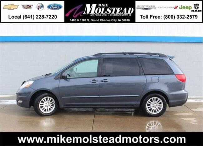 2008 Toyota Sienna XLE Minivan/Van