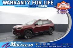 New 2021 Jeep Cherokee Latitude Lux SUV in Charles City, IA