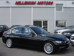 2015 BMW 320i NAVIGATION / LEATHER / SUNROOF