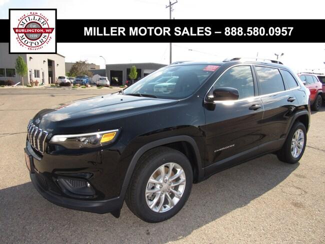 New 2019 Jeep Cherokee LATITUDE FWD Sport Utility For Sale Burlington, Wisconsin