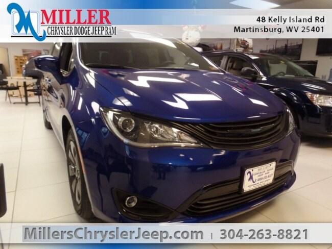 New 2019 Chrysler Pacifica Hybrid TOURING PLUS Passenger Van in Martinsburg