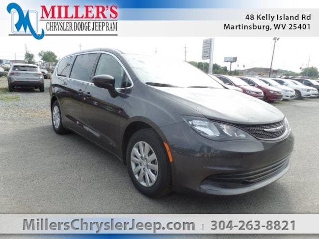 New 2018 Chrysler Pacifica L Passenger Van in Martinsburg