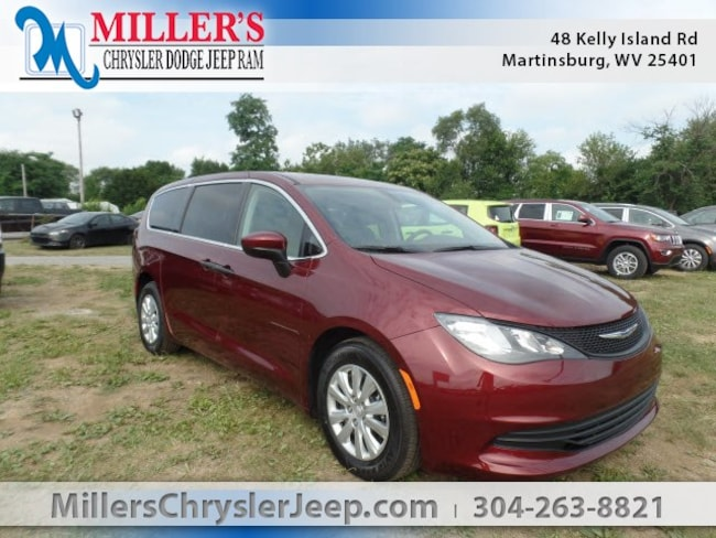 New 2018 Chrysler Pacifica L Passenger Van in Martinsburg