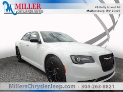 New 2019 Chrysler 300 TOURING Sedan for Sale in Martinsburg, WV