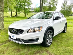 Used 2018 Volvo V60 Cross Country T5 AWD Wagon for sale in Lebanon, NH