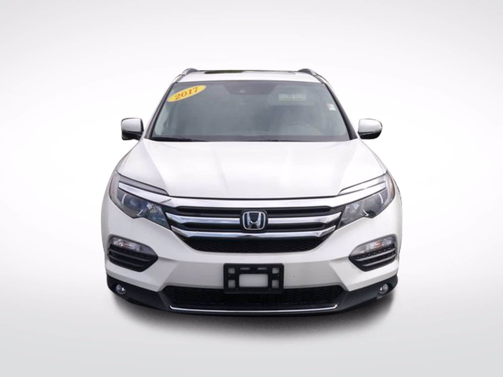 Used 2017 Honda Pilot Touring with VIN 5FNYF6H95HB055130 for sale in Baxter, Minnesota