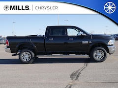 2018 Ram 2500 LARAMIE CREW CAB 4X4 6'4 BOX Crew Cab 3C6UR5FL8JG381820 for sale in Willmar, MN