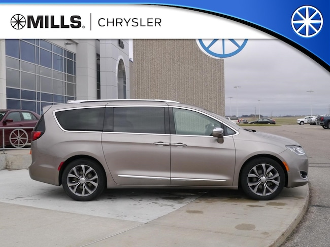 Used 2018 Chrysler Pacifica Limited Van in Willmar