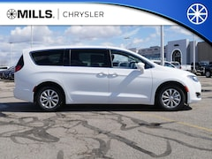 New 2019 Chrysler Pacifica TOURING PLUS Passenger Van 2C4RC1FG4KR668613 for sale in Willmar, MN