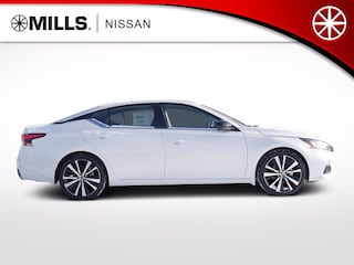 2020 Nissan Altima 2.0 SR Sedan in Brainerd