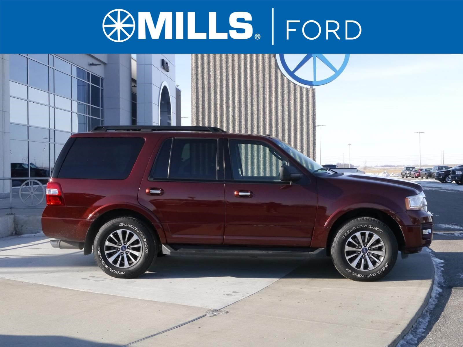 2015 Ford Expedition 4WD 4dr XLT 4WD  XLT