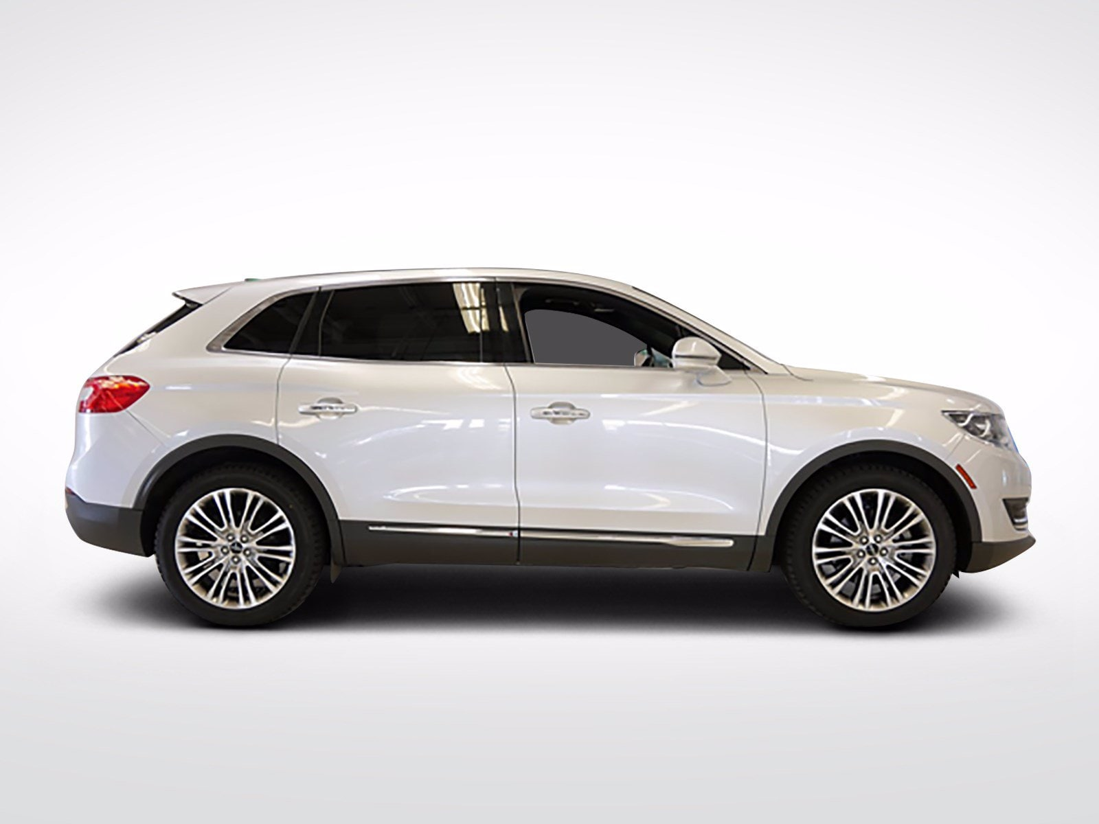 Used 2018 Lincoln MKX Reserve with VIN 2LMPJ8LR6JBL22386 for sale in Willmar, Minnesota