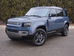 New 2021 Land Rover Defender SE Dynamic SUV in Macomb, MI