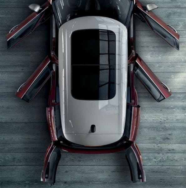 The 2019 MINI Clubman sky view