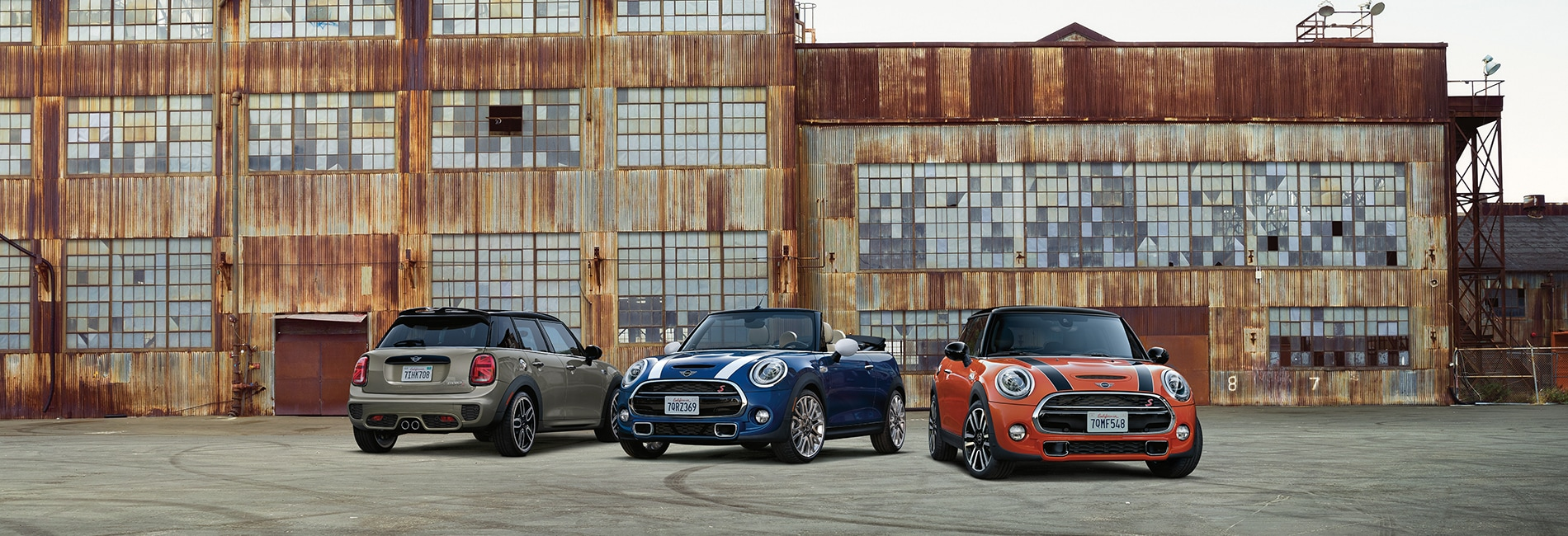 MINI Hardtop 4 Door Interior and Exterior Vehicle Features
