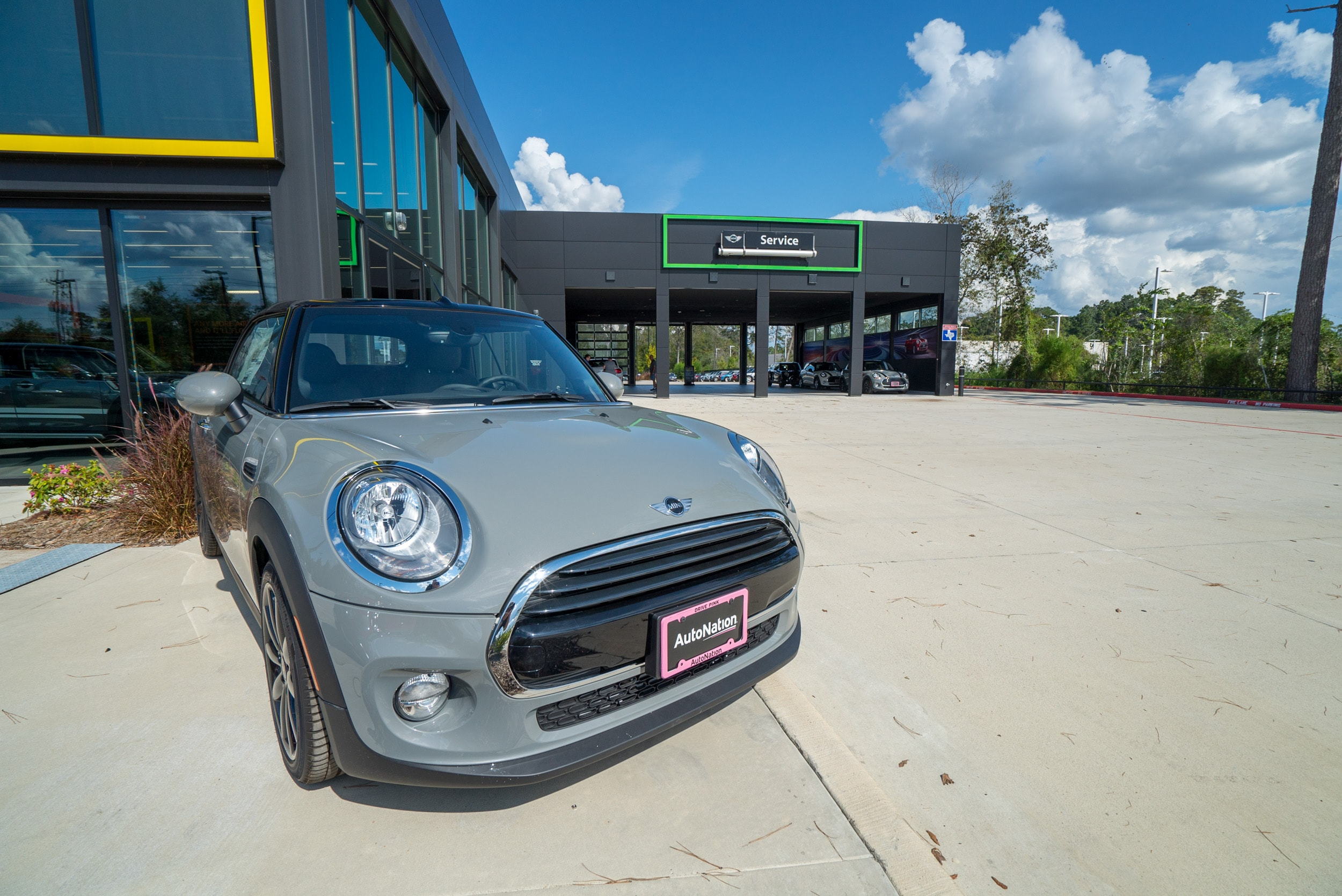 MINI of the Woodlands Service Center