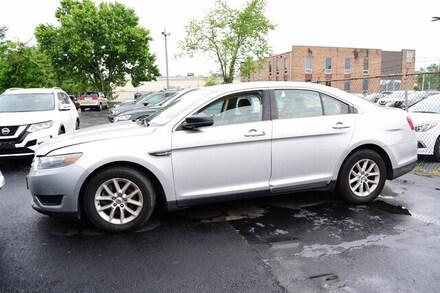 2014 Ford Taurus SE Sedan