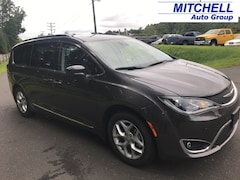 New 2018 Chrysler Pacifica TOURING L Passenger Van for Sale in Simsbury, CT
