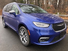 New 2021 Chrysler Pacifica LIMITED AWD Passenger Van for Sale in Simsbury, CT