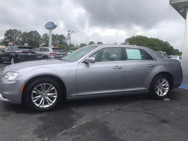 2017 Chrysler 300 Limited 4dr Sedan Sedan