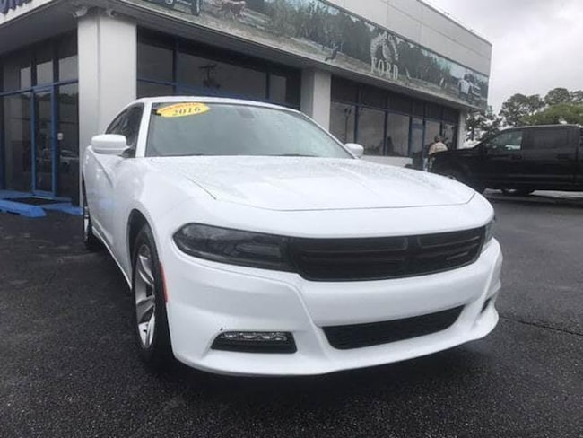 2018 Dodge Charger SXT Plus 4dr Sedan w/Cloth Sedan