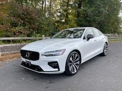 New 2022 Volvo S60 B5 AWD Momentum Sedan for Sale in Simsbury, CT