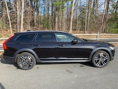 Used 2018 Volvo V90 Cross Country T5 AWD Wagon For Sale in Simsbury, CT