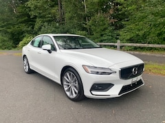 New 2021 Volvo S60 T5 Momentum Sedan for Sale in Simsbury, CT