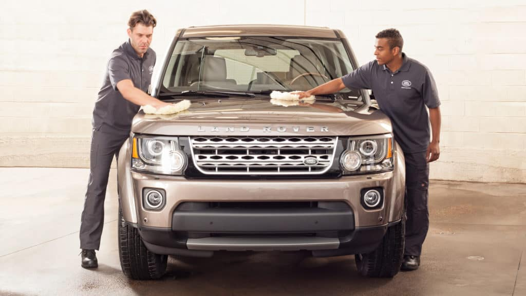 Spring Cleaning Tips for Your Car | Land Rover St. Louis