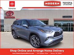New 2021 Toyota Highlander Hybrid XLE SUV Boone, North Carolina