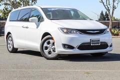 New 2018 Chrysler Pacifica Hybrid TOURING PLUS Passenger Van in Fairfield
