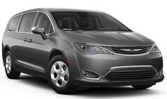New 2018 Chrysler Pacifica Hybrid LIMITED Passenger Van in Fairfield
