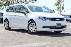 New 2018 Chrysler Pacifica L Passenger Van in Fairfield