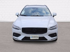 Used 2020 Volvo V60 T5 FWD Mome T5 Momentum Wagon in Houston