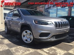 2019 Jeep Cherokee Sport - 3.2L - Heated Seats - Backup Camera - SUV