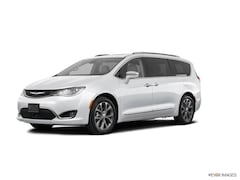 New Chrysler & Jeep 2019 Chrysler Pacifica TOURING L Passenger Van for Sale in Monroeville, PA
