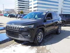 New Chrysler & Jeep 2019 Jeep Cherokee LATITUDE PLUS 4X4 Sport Utility for Sale in Monroeville, PA