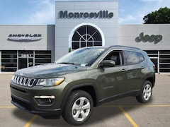 New Chrysler & Jeep 2019 Jeep Compass LATITUDE 4X4 Sport Utility for Sale in Monroeville, PA