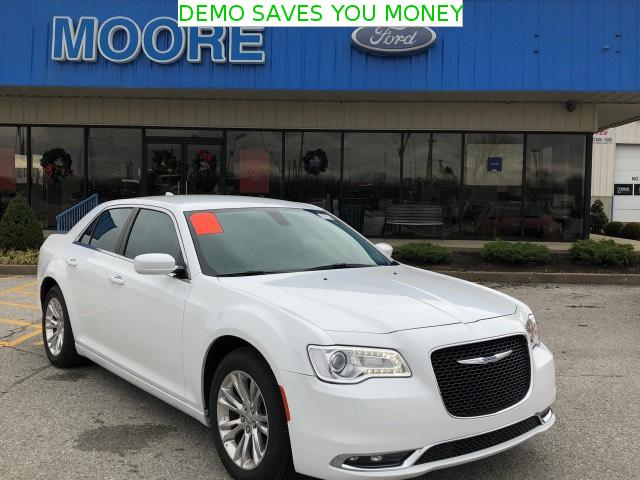 Used 2018 Chrysler 300 for sale in Hartford, KY