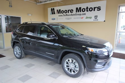 Featured new 2021 Jeep Cherokee LATITUDE LUX 4X4 Sport Utility for sale in Caro, MI