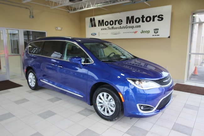 New 2019 Chrysler Pacifica TOURING L Passenger Van For Sale in Caro, MI
