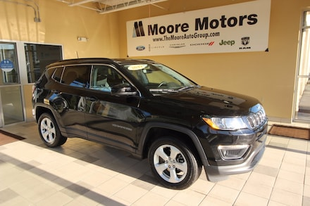 Featured used 2019 Jeep Compass Latitude 4x4 SUV 3C4NJDBB6KT836409 for sale in Caro, MI