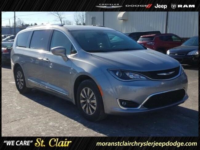 New 2019 Chrysler Pacifica TOURING L PLUS Passenger Van For Sale St. Clair, Michigan